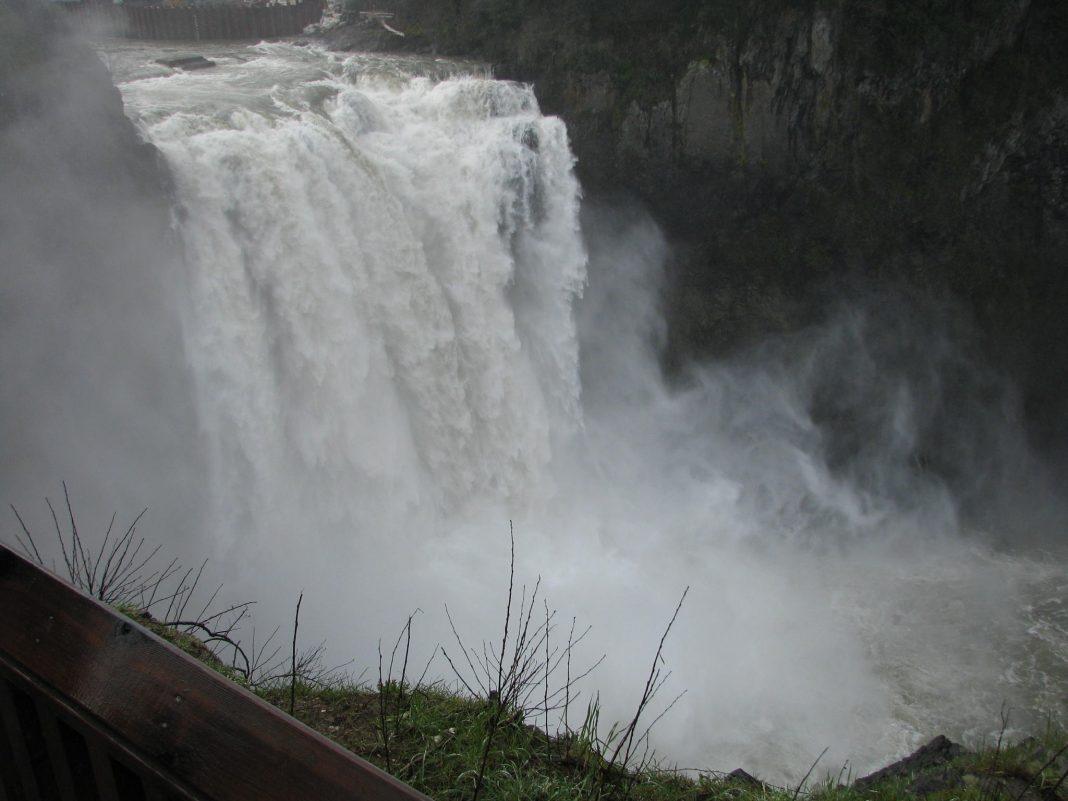 Snoqualamie Falls 2002